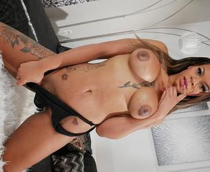 pleasurable pumps with halle hayes.mp4