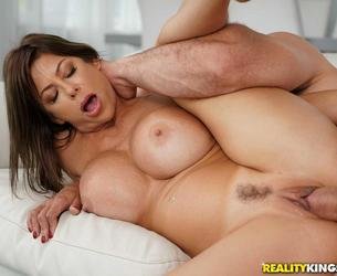 [MilfHunter.com / RealityKings.com] Alexis Fawx - My Neighbor Is A Squirting Nympho (05.07.2018) [2018 g., MILF, Lingerie, Brunette, Big Tits, Hairy Pussy, Big Cock, Blowjob, Deep Throat, Doggystyle, Gonzo, Hardcore, All Sex, Dildo, Squirting, Cum On Tits, 432p]