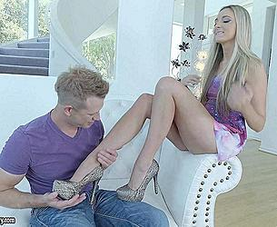 21 Sextury - Allie Knox - Key To His Heart_720p.mp4