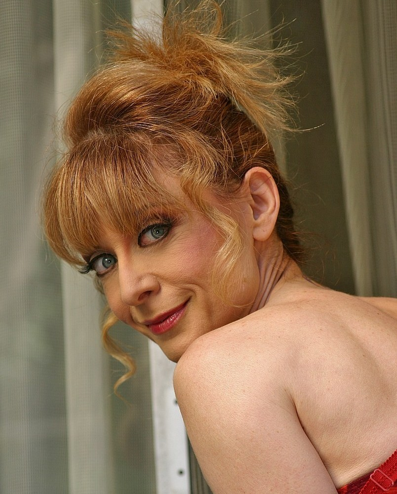 [Nina.com] Nina Hartley (66 rolikow)